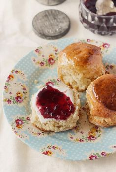 Maple Syrup Glazed #Scones topped with creme fraiche and black cherry jam - #food #brunch #FSWarehouse