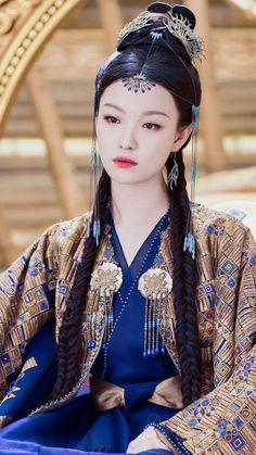 Hanfu, Geisha, China Girl, Medieval Clothing, Chinese Clothing, Fashion Design Sketches, Oriental Fashion, Asian Style, Mode Style