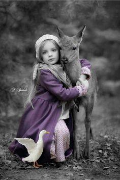 Purple Splash of Color Color Splash, Color Pop, Splash Photography, Color Photography, Animals For Kids, Cute Animals, Baby Animals, Precious Children, Beautiful Children