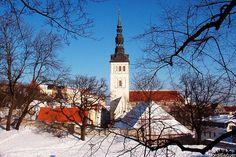 Niguliste kirik.  Tallinn, Estonia.  February, 2005.