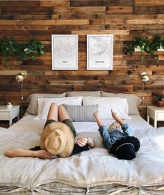 Boho Loves: Mapiful – Posters That Tell Your Stories About Love, Memories And Travel AND for all Boho Readers Master Bedroom Wood Wall, Accent Wall Bedroom, Bedroom Decor, Rustic Bedroom Design, Wood Effect Wallpaper, Rustic Wood Walls, Wooden Walls, Decoration, Boho Wedding