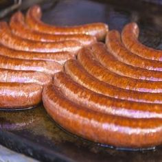 Homemade Hungarian Sausage Recipe - Real Food - MOTHER EARTH NEWS sausage and veggies;recipes with sausage dinner;spaghetti with sausage;orrechiette with sausage; Homemade Sausage Recipes, Pork Recipes, Real Food Recipes, Cooking Recipes, Cooking Tips, Hungarian Sausage Recipe, Hungarian Recipes, Croatian Recipes, Bratwurst
