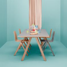public/upload/im_vignette/table-copenhague-30-hay-bouroullec-silvera_03.jpg