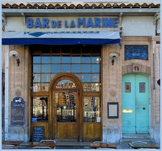 Gorgeous shot of Bar de la Marine, Marseille. (Famed from Marcel Pagnol's  films as well as the scene in  Love Actually, when Jamie proposes to Aurelia.)