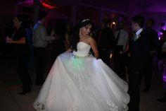 Vestido de novia modelo Mirlo de la colección Aire Barcelona de la diseñadora Rosa Clará disponible en la tienda de novias De Novia a Novia en San Jose, Costa Rica.