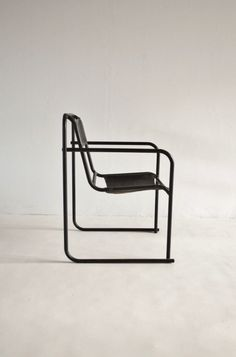 'RP-7' chair by Bruno Pollak for PEL,1932 http://www.betonbrut.co.uk/