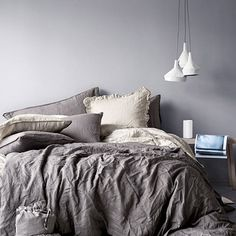 bit of an obsession with grey linen bedding just now :-)