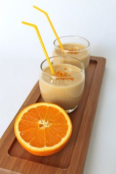 Orange Chai Kefir: - The juice of 2 large oranges - 1 cup of Kefir - 2 chai tea teabags - 1 tbs of honey or golden syrop