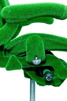 Furniture Ideas , Green AstroTurf-Covered Aeron Chair by Herman Miller and Makoto Azuma : Green AstroTurf Covered Aeron Chair By Herman Miller And Makoto Azuma 6