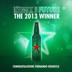 ZWYCIĘSKIE PROJEKTY na FUTU.PL Po trzech miesiącach zmagań w konkursie na autorski projekt butelki piwa marki Heineken Your Future Bottle, poznaliśmy zwycięzcę. Został nim Fernando Degrossi z Brazylii, którego aż dwie prace znalazły się w finałowej piątce. Zaszczytne miejsca w pierwszej piątce, przypadło dwójce Polaków: Annie Ptasińskiej i Bartoszowi Bąkowi. Ten ostatni zwyciężył też w głosowaniu publiczności.
