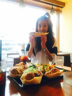 やっと、たこ焼き!食べる〜 熱いので!ふ〜ふ〜 pic.twitter.com/fBsWtgi1qi