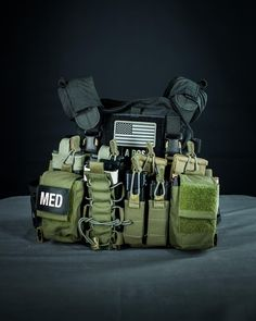 """T.REX ARMS on Instagram: """"Perron Designs LPSPC. With Haley Strategic D3 rig. Fun low profile plate carrier solution comboed with a well executed chest rig. Sometime tomorrow afternoon I will be doing a Periscope broadcast talking about load bearing solutions, and equipment philosophy. Download the app, and follow"""