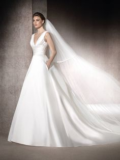 St. Patrick | MAYO - Wedding dress in mikado and tulle with pockets