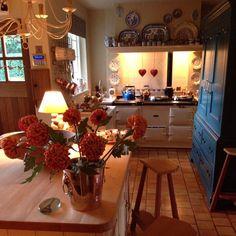 21 vind-ik-leuks, 1 reacties - FoxdeaneInteriors (@foxdeaneinteriors) op Instagram: 'Family kitchen #johnlewisofhungerford 1994 #aga #unfittedkitchen #bespoke #familyspace #terracotta…'