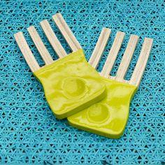 Sonovo salad servers Lime - from Oasis Homewares