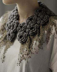 花モチーフのつけ衿