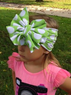 Very fun, easy headband tutorial from Create Kids Couture. Did I mention it is free? :)