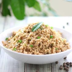This Jamaican Jerk Quinoa combines chiles allspice nutmeg cloves and ginger for that spicy taste of Jamaica. (Gluten-free and Vegan) Gluten Free Recipes, Vegan Recipes, Vegan Meals, Sushi Recipes, Vegan Foods, Easter Recipes, Chili, Making Quinoa, Quinoa Bowl