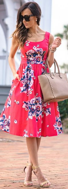 Floral midi dress with welt pockets – New York Fashion New Trends Chic Summer Outfits, Outfits 2016, Pretty Outfits, Summer Dresses, Cute Dresses, Beautiful Dresses, Casual Dresses, Short Dresses, 60s Dresses