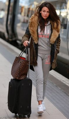 Michelle Keegan ditches her usual glamorous look for comfy tracksuit and warm parka as she arrives in Manchester Simple Winter Outfits, Casual Work Outfits, Work Casual, Michelle Kegan, Airport Chic, Airport Outfits, Michelle Keegan Hair, Fashion Outfits, Clothes For Women