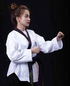Taekwondo Girl, Martial Arts, Girls, Martial Artist, Artists, Toddler Girls, Daughters, Maids, Combat Sport