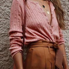 Sezane Sweaters | Sezane Gilet Terence Blush M Nwt | Poshmark Look Fashion, 90s Fashion, Winter Fashion, Fashion Outfits, Womens Fashion, Fashion Tips, Fashion Clothes, Fashion Quiz, Fashion Articles