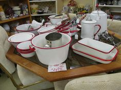 Red and White Enamelware Red And White Kitchen, Red Kitchen, Vintage Kitchen, Kitchen Decor, Grandmothers Kitchen, Garden Items, Summer Kitchen, Advertising Signs, What's Cooking
