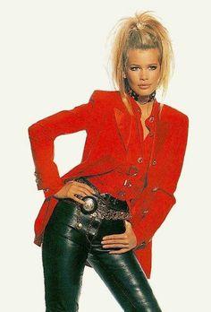 Claudia Schiffer for Gianni Versace Couture 1992 Fashion Idol, Red Fashion, Fashion Outfits, Fashion Men, Biker Wear, 90s Models, Turkish Fashion, Claudia Schiffer, Gianni Versace