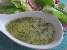 baby food chart Essig - l - Dressing Vinaigrette Dressing, Dressing Recipe, Baby Food Recipes, Salad Recipes, Healthy Recipes, Oats Recipes, Salat Al Fajr, Oatmeal For Baby, Homemade Baby Snacks
