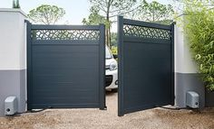 Décor en aluminium Mix-it! Home Gate Design, House Main Gates Design, Steel Gate Design, Front Gate Design, Door Design, House Design, Wooden Gate Designs, Gate Designs Modern, House Front Gate