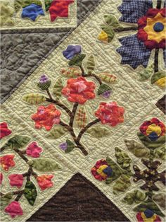 Close-up, Honoring Emma: An Album Quilt by Gerry Fischer.  Design by Lori Smith.  Photo by Quilt Inspiration