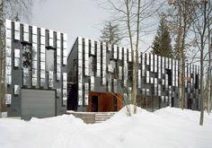 bernaskoni: villa mirror mongayt - designboom   architecture