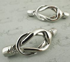 1 Magnetic Reef Knot Clasp  Bright Silver Tone от UnkamenSupplies, $7.00