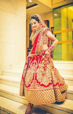 Looking for red bridal lehenga? Browse of latest bridal photos, lehenga & jewelry designs, decor ideas, etc. Wedding Lehnga, Indian Bridal Lehenga, Indian Bridal Wear, Indian Wedding Outfits, Bridal Outfits, Indian Outfits, Bridal Dresses, Wedding Bride, Red Lehenga