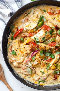 Creamy Garlic Pesto Chicken - - Creamy Garlic Pesto Chicken – This stir-fry chicken with pesto, sun-dried tomatoes and bell peppers in a creamy garlic sauce is simply amazing. The flavorful sauce infuses every single bite o…. Garlic Pesto Chicken, Creamy Garlic Sauce, Chicken Pesto Recipes, Garlic Parmesan, Bell Pepper Chicken Recipes, Recipes With Pesto Sauce, Pasta Bake Recipes, Recipes With Chicken And Peppers, Feta Chicken