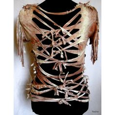 Post-Apocalyptic Female Survivor I could do this with the large black shirt I have.lattice the sleeves? Post Apocalypse, Apocalypse Costume, Apocalypse Fashion, Post Apocalyptic Costume, Post Apocalyptic Fashion, Post Apocalyptic Clothing, Larp, Mad Max Costume, Wasteland Warrior
