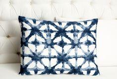 Shibori pillow. Need to do this, so beautiful!