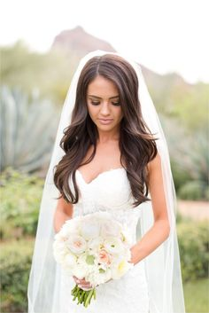 Gorgeous flowing bridal hair!