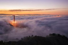 Golden Gate Bridge, San Francisco, Estados Unidos. A fotografia é de Michael Bennett, momentos antes do nascer do sol. (National Geographic)