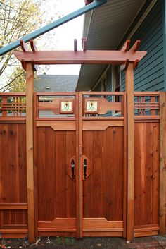 gate – 1914 Craftsman Bungalow project - Home & DIY Craftsman Exterior, Craftsman Style Homes, Craftsman Bungalows, Craftsman Style Furniture, Tor Design, Fence Design, House Design, Outdoor Projects, Outdoor Decor