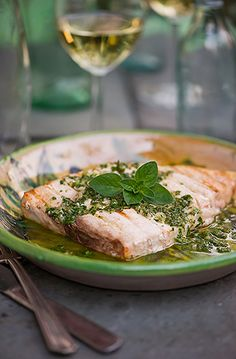 Today's recipe is typical Sicilian, fresh and simple. Pan seared or grilled swordfish (pesce spada) with a vinaigrette called salmoriglio