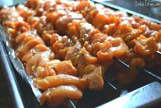 By taking some common ingredients & adding some Puerto Rican spices, you can turn regular old kabobs into delish Puerto Rican pinchos! Cube Steak Recipes, Beef Recipes, Chicken Recipes, Yuca Recipes, Boricua Recipes, Grill Recipes, Family Recipes, Pollo Chicken, Chicken Kabobs