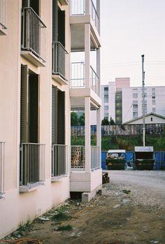 'Hunziger Areal' Dialogweg 3 & 7, Zürich, 2014 Miroslav Sik, Urban Planning, Postmodernism, Brutalist, Zurich, Style At Home, Villa, Mansions, House Styles