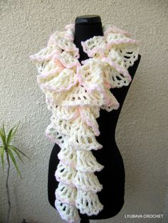 CROCHET SCARF PATTERN Ruffle Scarf Winter Honeymoon, Chunky Scarf Ruffle, Fast Easy Crochet Scarf Diy, Instant Download Pdf Pattern No.47