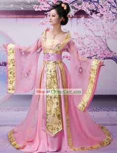 This is a hanfu (traditional Han Chinese clothing). It precedes the kimono and… Japanese Fashion, Asian Fashion, Chinese Fashion, Japanese Geisha, Pink Fashion, Kimono Chino, Pretty Dresses, Beautiful Dresses, Beautiful Costumes