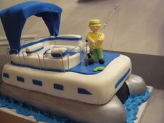 Pontoon Fishing pound cake covered with fondant. The fisherman is made of fondant. The seats are made of rice crispy treats covered with. 8th Birthday Cake, 70th Birthday Parties, Birthday Ideas, Lake Cake, Luau Theme Party, Rice Crispy Treats, Cake Cover, How To Make Cake, Fondant