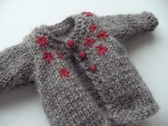Doll's knitted cardigan - free pattern in Japanese