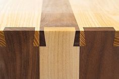 Dovetail Joints – Beautiful Design. More Woodworking Projects on www.woodworkerz.com