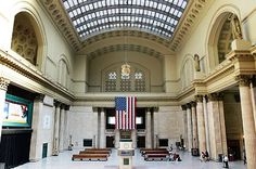 Chicago Train Station...mom and I were here in 1992, it is beautiful!
