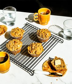 Apple and nut muffins Muffins Sains, Fiber Cereal, Recipe Master, Brunch, Muffin Cups, Healthy Muffins, Special Recipes, Cooking Time, Baking Soda